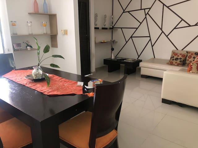 Habitación individual en una casa acogedora