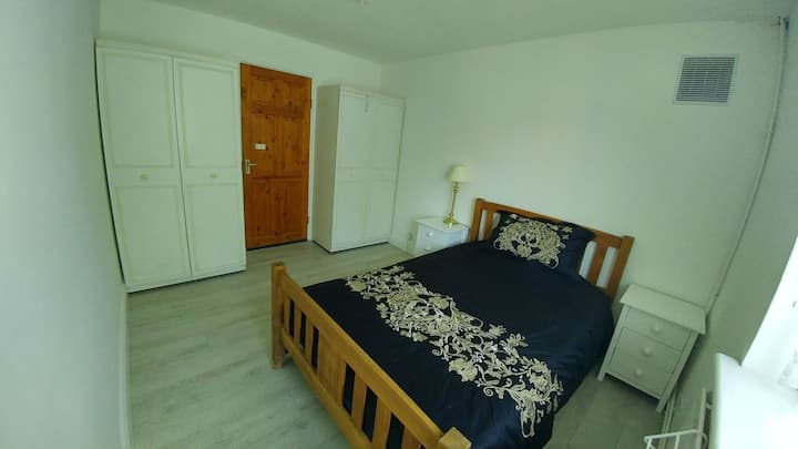 West London-W7, Hanwell (Area Ealing) Room