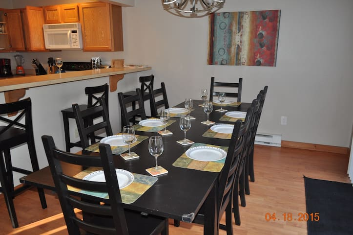 Poconos Townhome by Camelback - Tannersville - Casa
