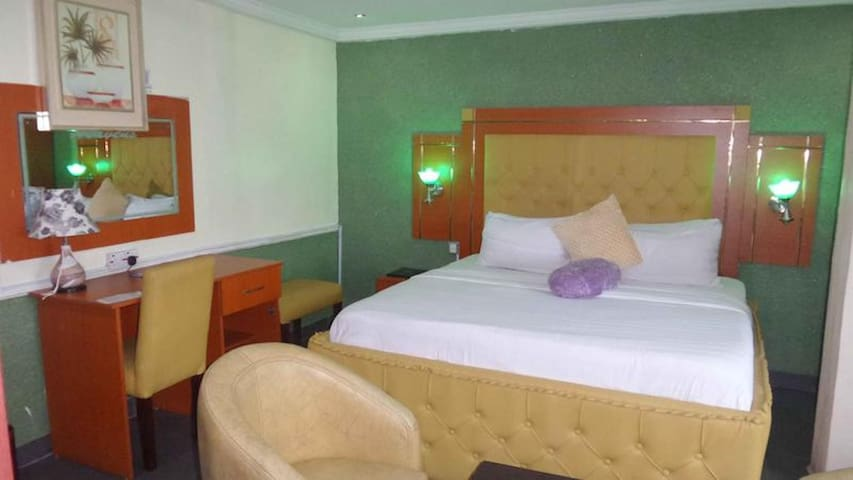 De Heavens Royale Hotel  - Classic Room