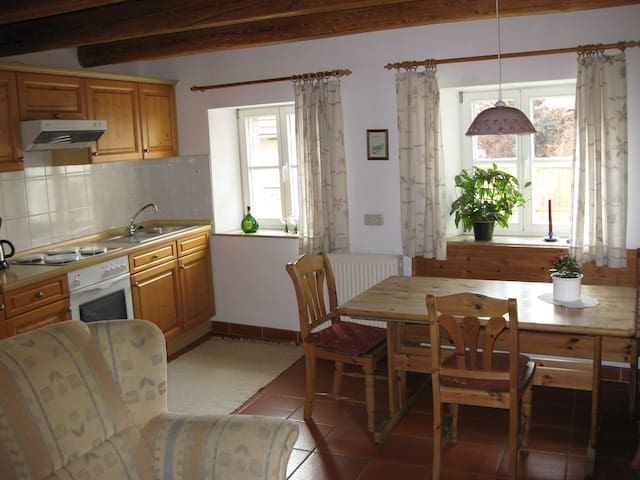 bnb comfort. flat near by Würzburg and Rothenburg - Willanzheim - Inap sarapan