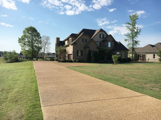 Great Home for Graduation Weekend Near Ole Miss - Oxford - Ev