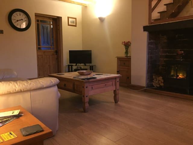 Snowdonia Terrace Cottage - Caeathro - บ้าน