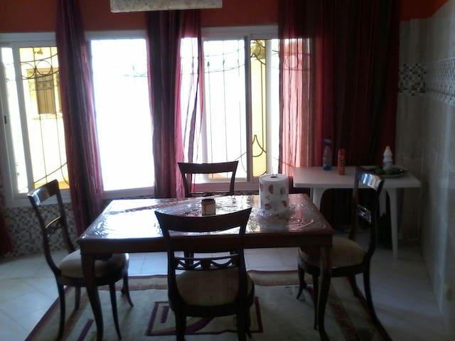 Belle villa équipée à louer à Yene - yenne guedj, quartier lela - Hus