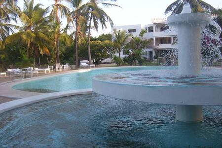Town and beach/ apart 1 Blue Marlin - Malindi