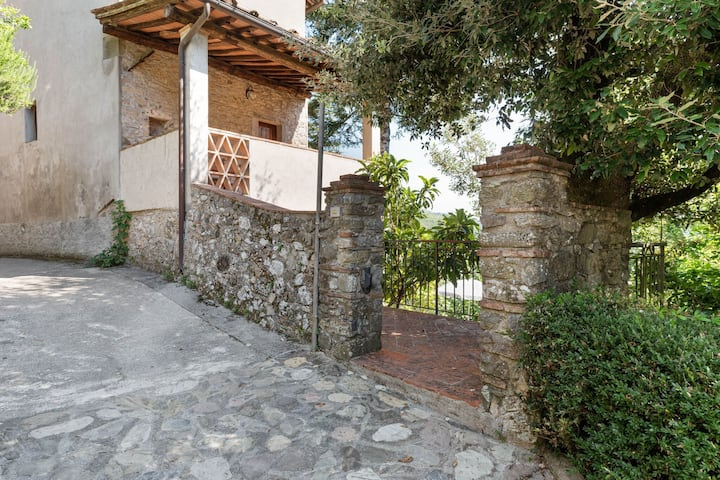 Relaxing Cottage in Convalle with Fenced Garden