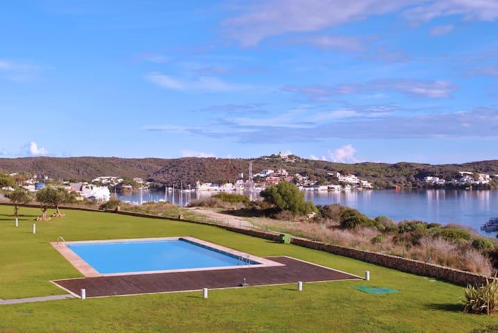 Vistas exclusivas puerto de Mahón diseño y confort - Mahon - Pis