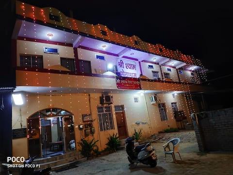 Hotel Shree Shyam Seva Ashram