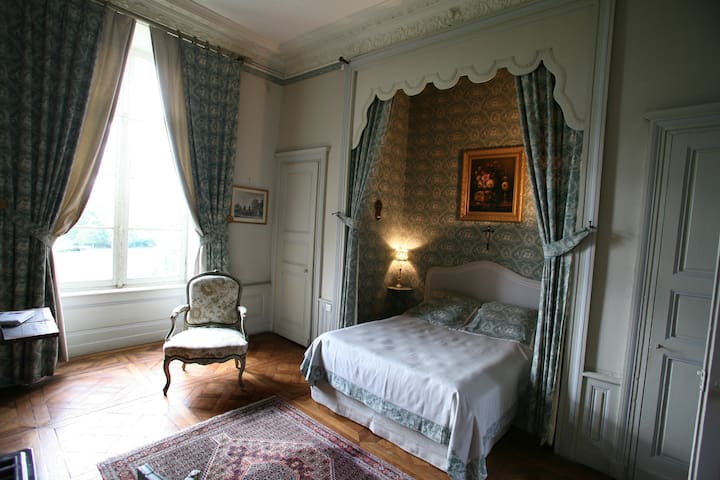 Chambre raffinées au château - LXVI - Sens-Beaujeu - Schloss