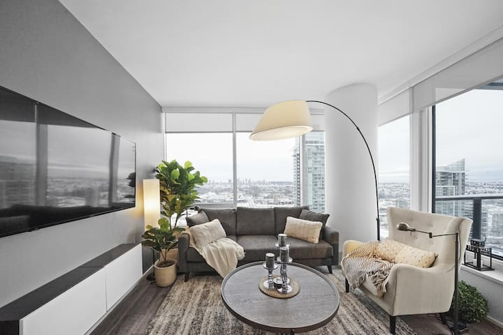 Stunning 2BD Suite in Brand-New Luxury Tower!