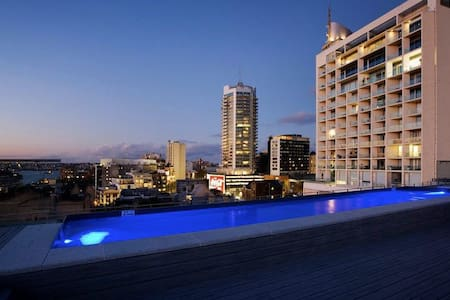 The Westbury: Boutique Apartment with Rooftop Pool - Darlinghurst