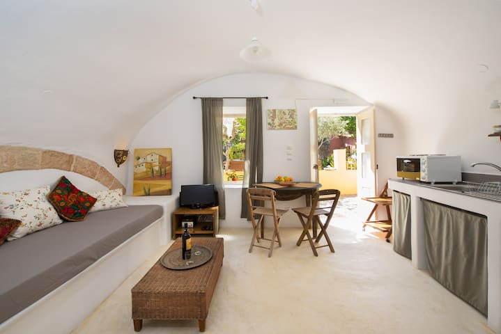 Aria di Rodi-Arched Studio,Old Town - Rhodos - Appartement