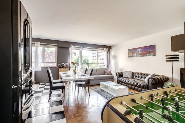 Wonderful spacious 1 BR flat of 66m2 near Paris