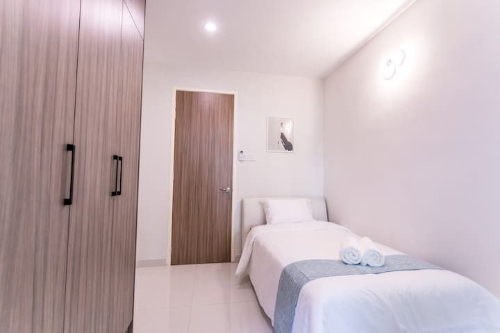 Ground Floor Guest Room with super single bed