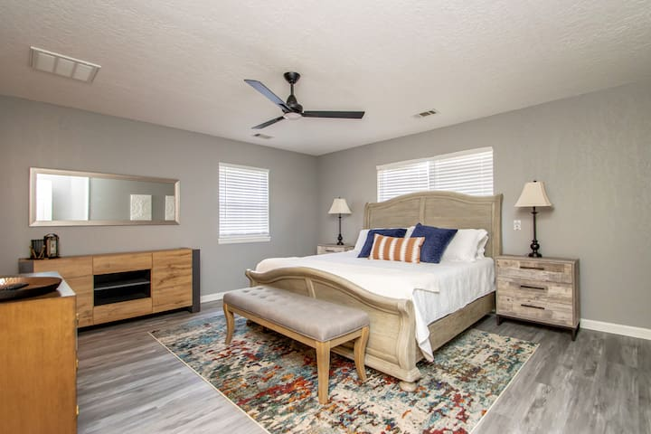 Master Bedroom on ground floor with king size bed.