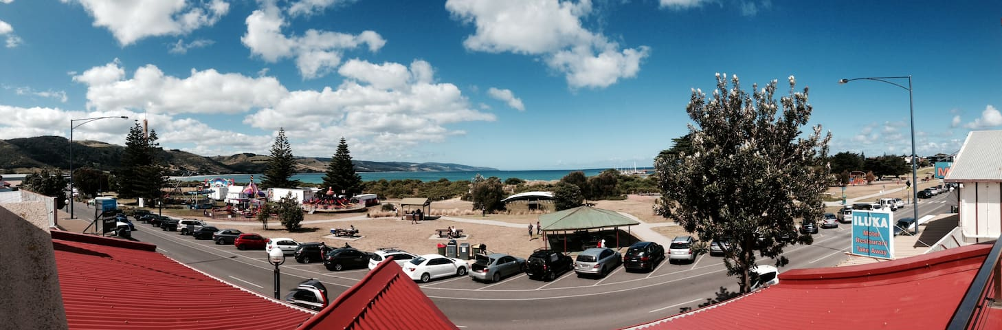Stunning Apart Seconds from Beach - Apollo Bay - Leilighet