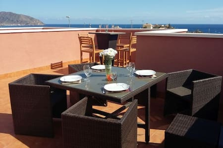 Fabulous Family Seaview Villa, Wi-Fi & Air Con - Cartagena - Villa