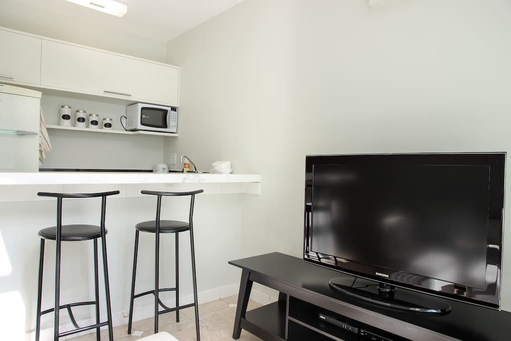 Great cozy loft in a very convenient location. Since arrival, everything was very clean and easy to use - Humberto