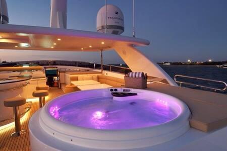 Absolute Private Luxury - Denarau Island