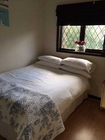 Comfortable double room - Crowthorne - 獨棟
