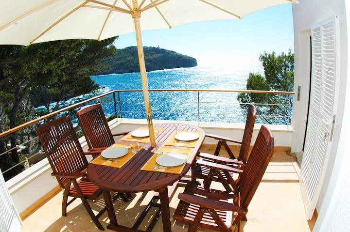 "Amazing Property  overlooking the sea "" Ponent"""