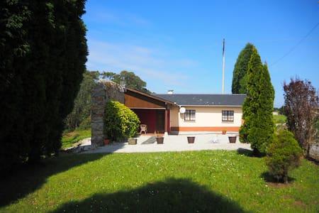 Casa en plena costa de Luarca