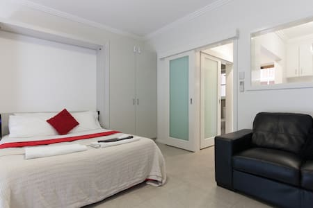 M4 Newly renovated in Perth CBD 200m & Kings Park - West Perth - Appartement
