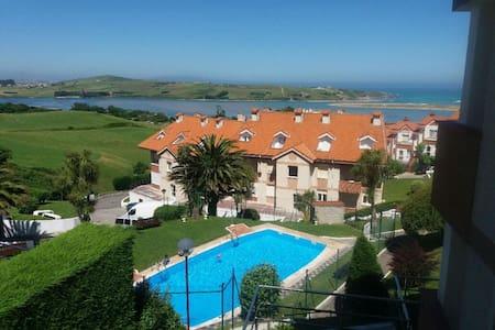 Apartamento muy soleado y con piscina
