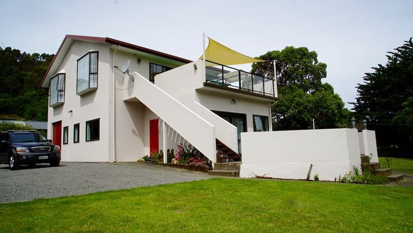 The 19th Hole on Akaroa Golf Course - Duvauchelle - Appartement