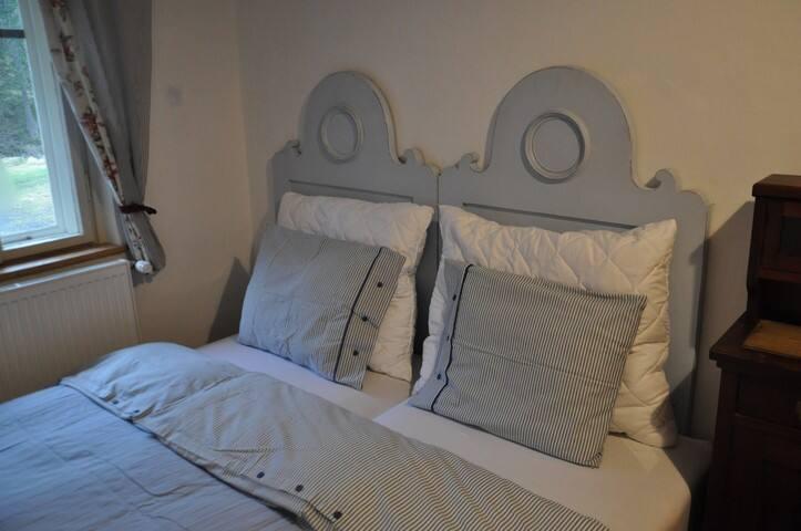 Romantický pokoj ve starém stylu - Horní Maršov - Bed & Breakfast