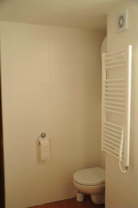 Sociální zařízení, umyvadlo, sprcha, WC
