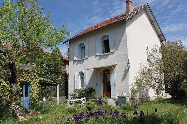maison avec jardin  dans Revel - Revel - Huis