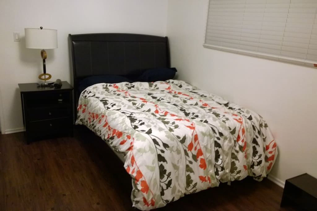 Good quality bed frame and matress