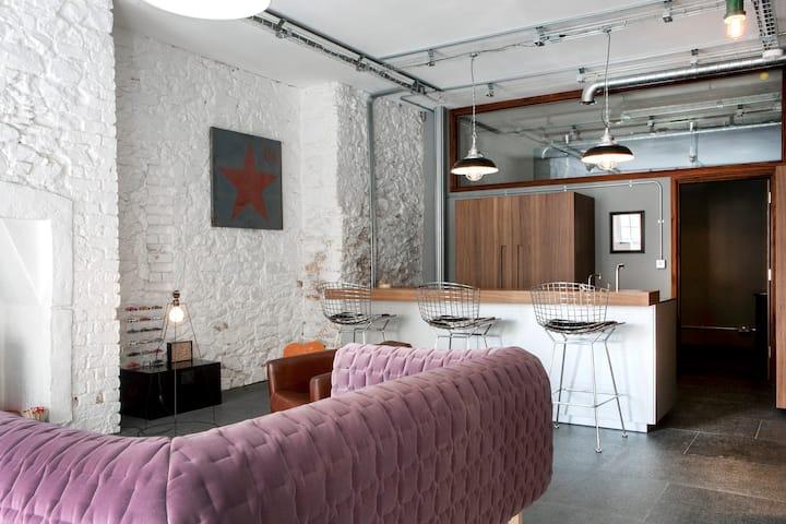 Luxury, waterside, industrial style