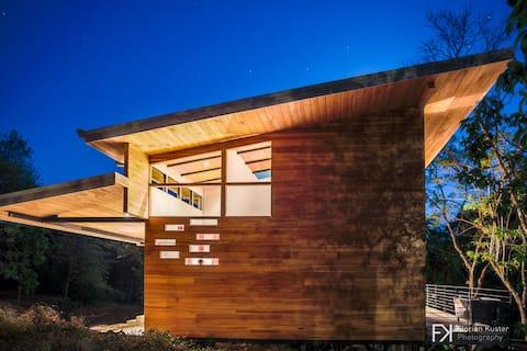 Casa Pájaros - Organic Contemporary Loft House