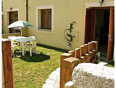 Summertime in Posada for 4/5 max - Posada - Διαμέρισμα