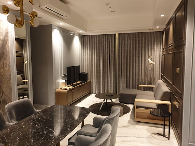 GreyStone (Luxurious Condo with Private Lift, 3BR)