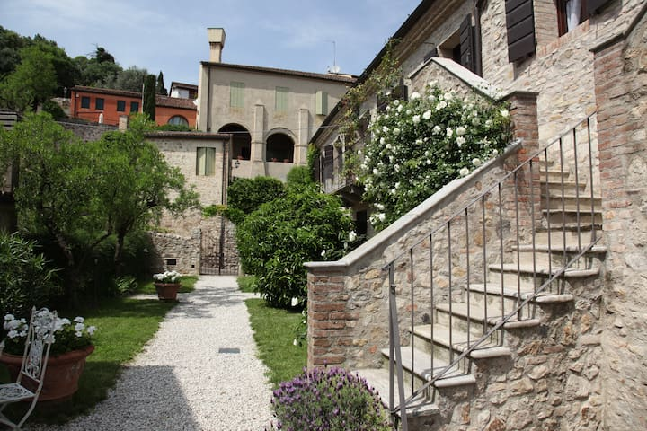 CASA ZORZI - NEAR VENICE IN A MEDIEVAL VILLAGE  /r -  arquà petrarca - Apartment