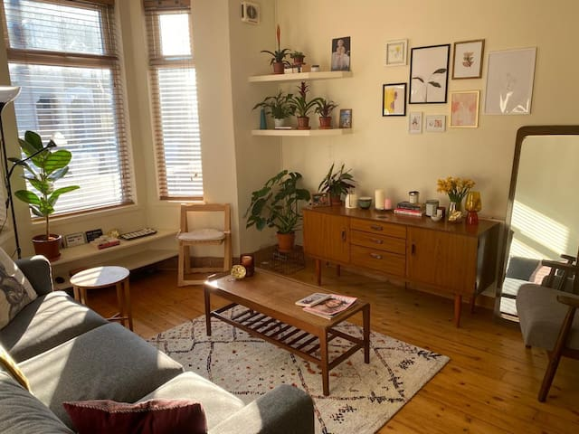 1 Bedroom House in Great Location