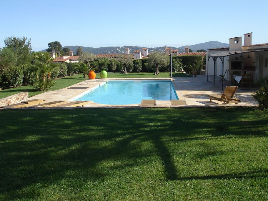 Villa avec piscine maisons louer grimaud provence - Location cote d azur avec piscine ...