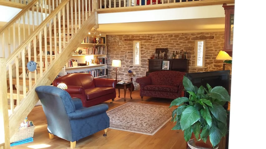 Modern converted stone barn - Gloucestershire - Andre