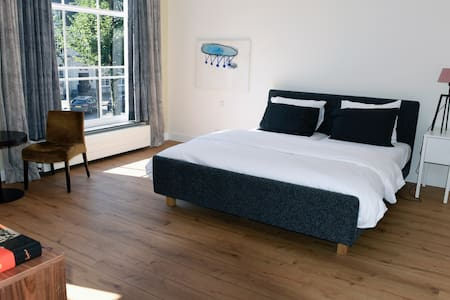 Luxery Suites on Historical square in Oosterhout - Oosterhout - 住宿加早餐