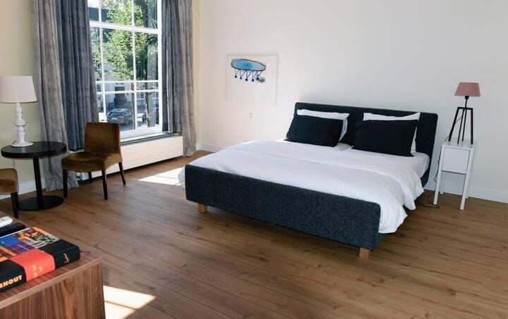 Mooie kamers op historisch plein in Oosterhout