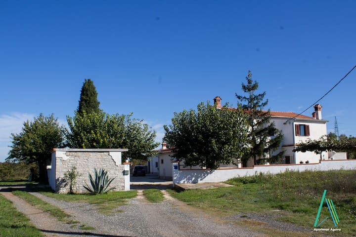 Apartment AGAVA in south Istrian village Gajana - Gajana - Byt