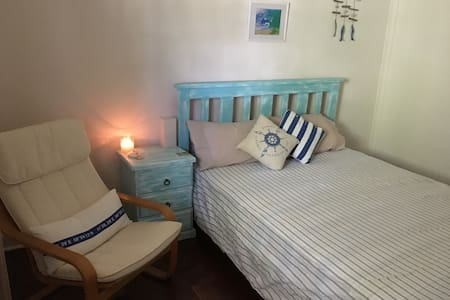 Rustic Cottage, Walk To The Ocean - Swanbourne - Casa