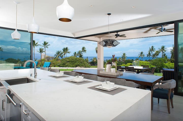 Luxury 5-bd Oceanview Home - Kaanapali