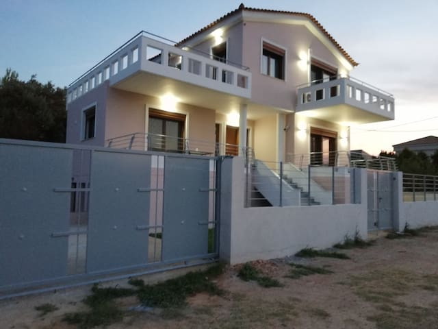 New Athens Villa Artemis See Airport 1