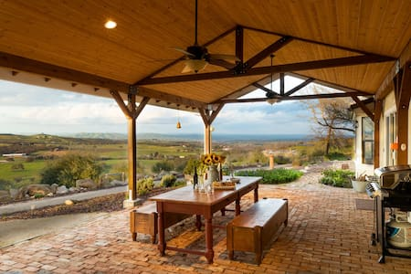 Olive Ranch by AvantStay | Enjoy Sunsets over the Valley | 4.5 Acre Ranch Home