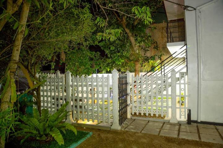 Two Bedroom Holiday Apartment in Galle