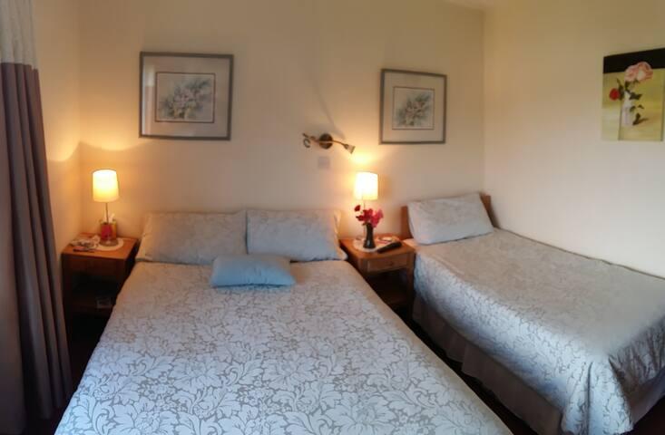 Melrose guest room 4